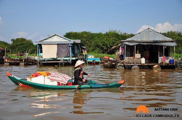 femme-barque-chong-khneas