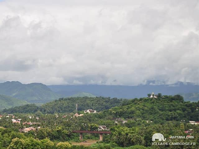 Wat Pa Phon Phao - Vue sur le Mont Phousi