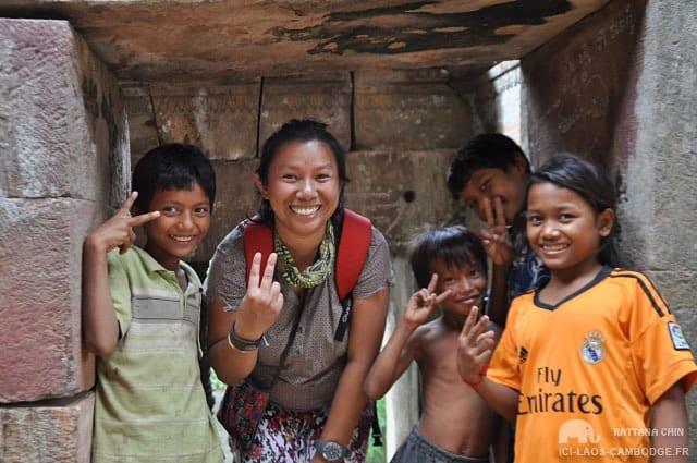 Enfants ruines Ek Phnom
