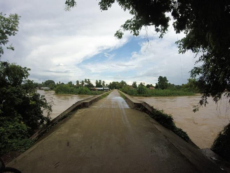 Pont reliant Don Det à Don Khon
