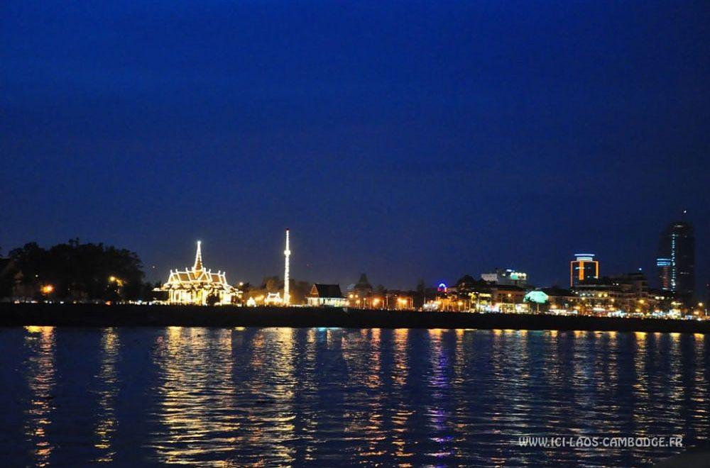 Phnom Penh de nuit