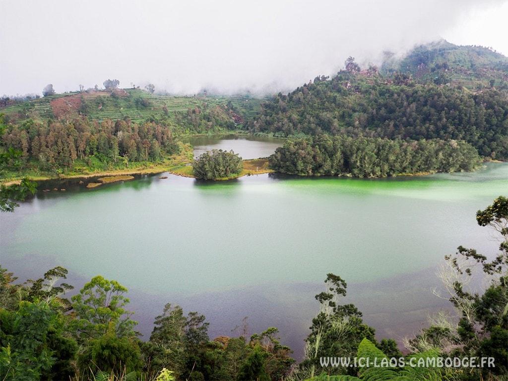 Lac à plateau de Dieng