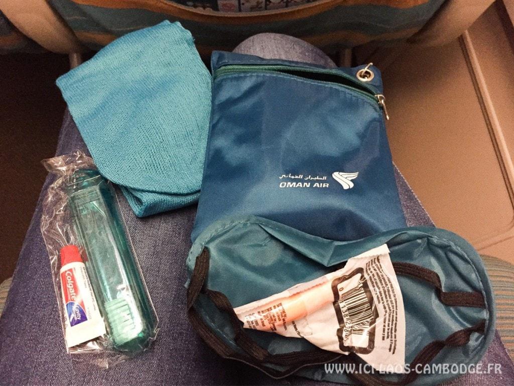 Accessoires kit de nuit vol Oman Air