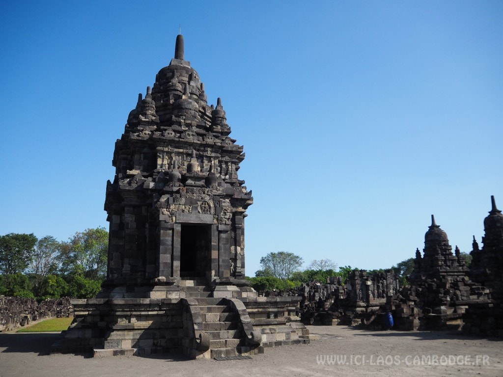 Visiter le temple de Prambanan -Candi Sewu