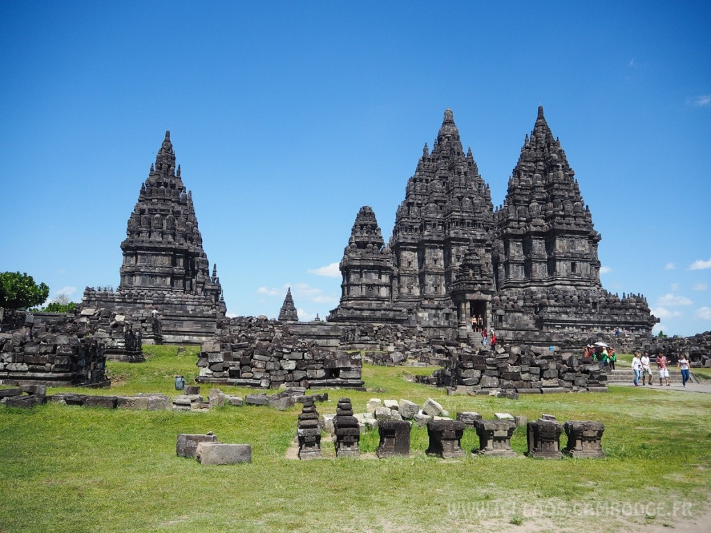 Visiter le temple de Prambanan