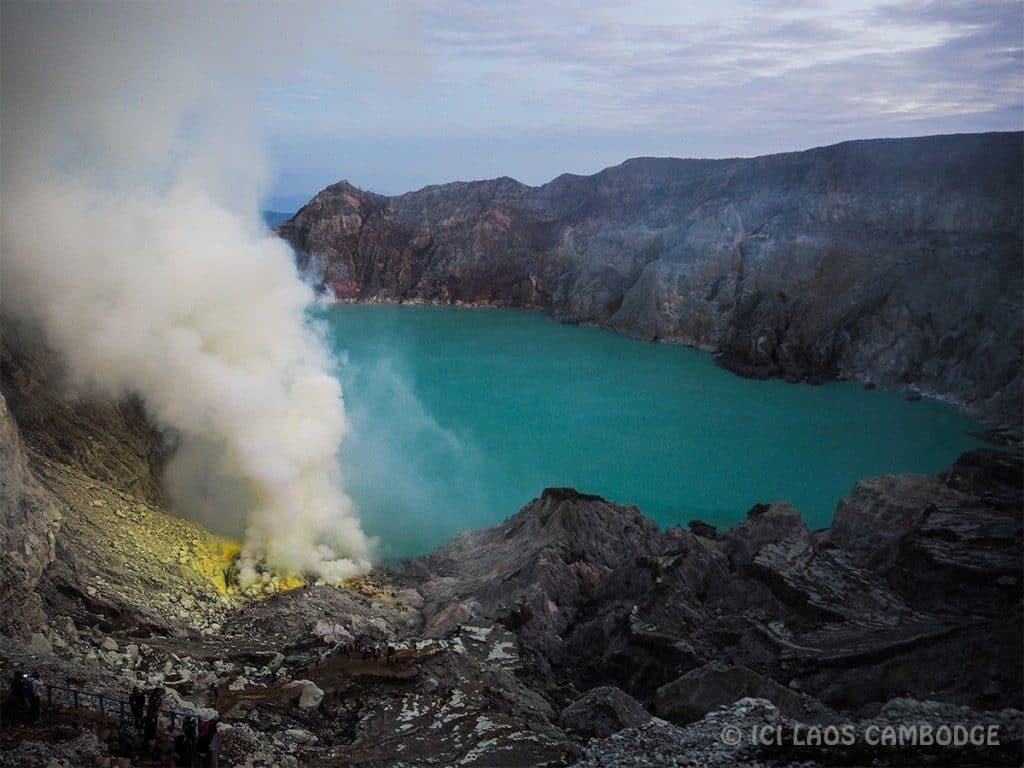 Lac acide volcan Kawh Ijen