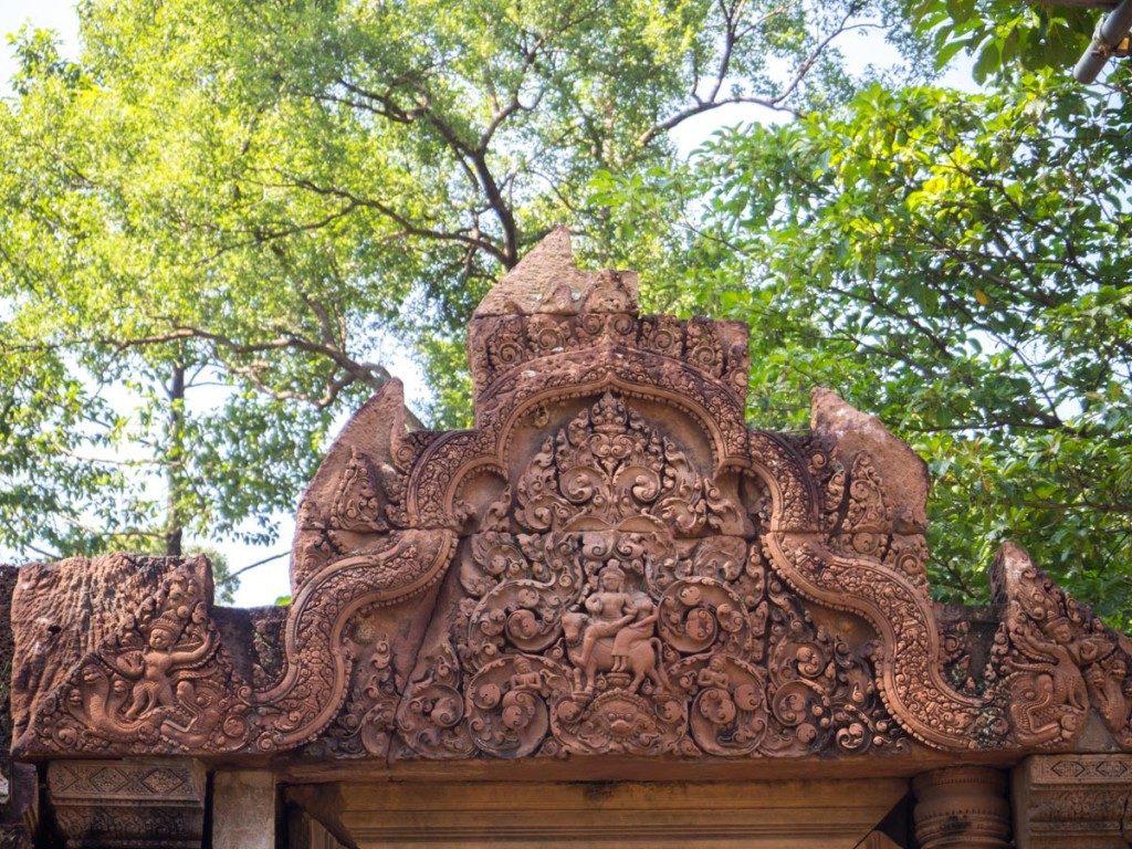 Banteay Srei couleur grès rose le matin