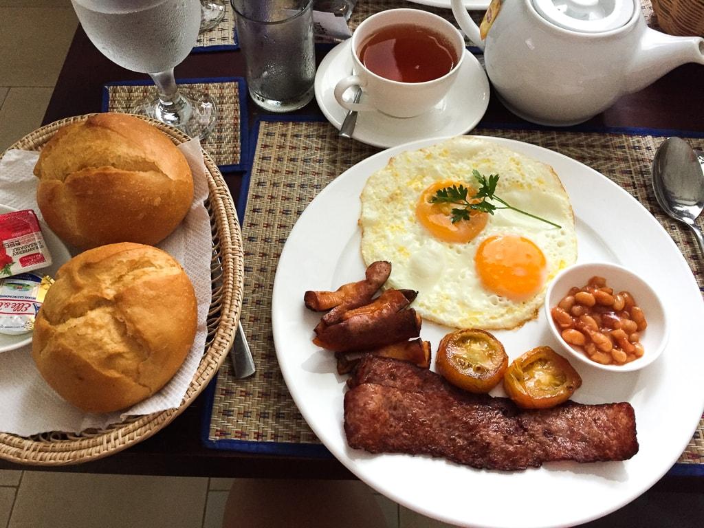 Petit-déjeuner au Five.S