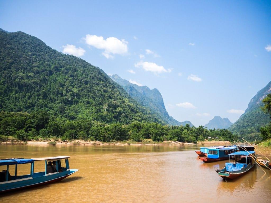 Au bord de Muang Ngoi
