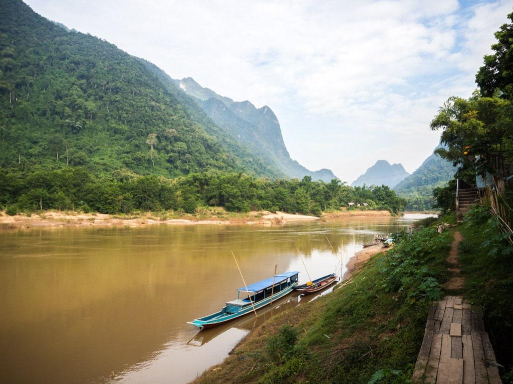 Autre côté de la rivière à Muang Ngoi