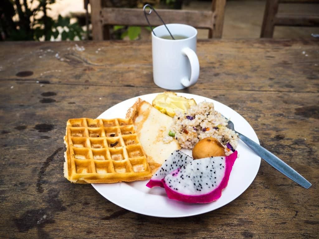 Mon petit déjeuner à Phetdavanh Buffet Place