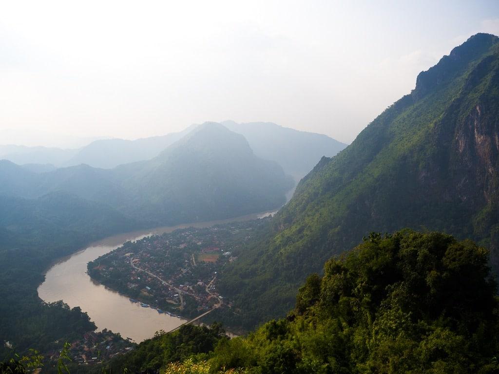 Point de vue Phadeng Peak à Nong Khiaw