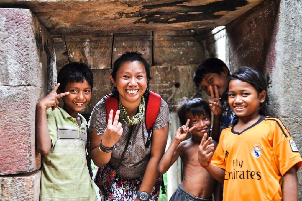 Moi et les enfants cambodgiens