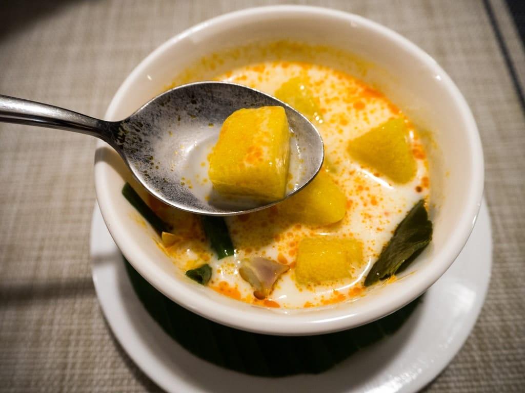 Keng Mac Eui Nam Kadric - Soupe au potiron cuite dans un lait de coco