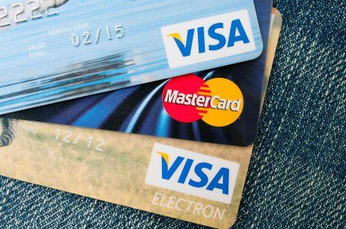 Quelle banque pour voyager faut-il choisir pour éviter les frais bancaires ?