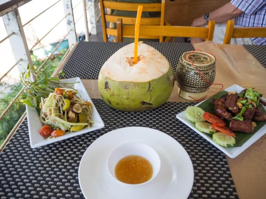 Boun Cha Reung Riverside Restaurant