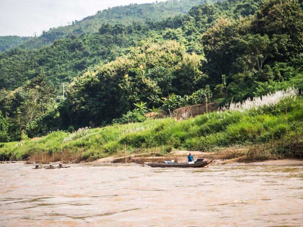 Pêcheur sur la Nam Ou