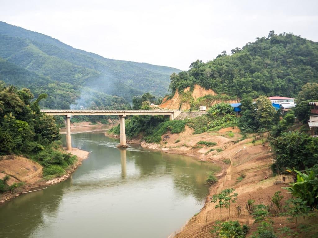 Vue sur le point de Muang Khua