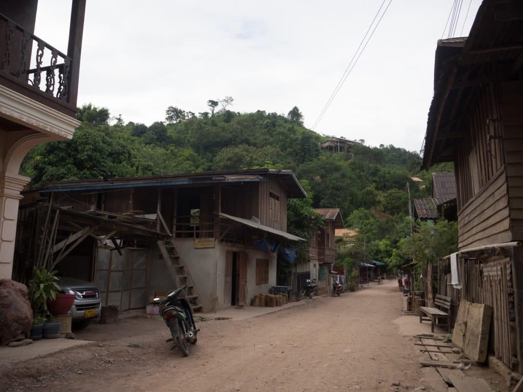 Rue à Pakbeng