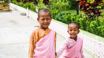 Itinéraire Birmanie 3 semaines : jeunes nones