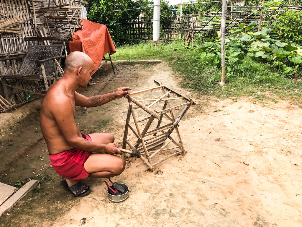 Fabrication de chaise en bamboo Hsipaw