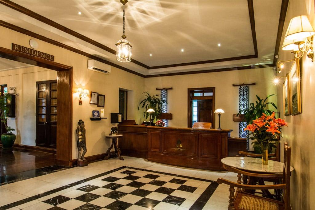 Savoy Hotel à Yangon : La réception
