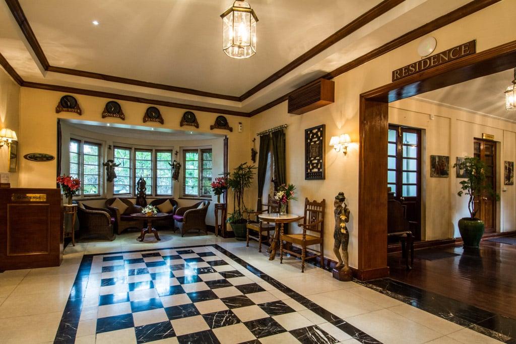 Savoy Hotel à Yangon : Le lobby