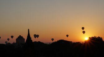 Lever de soleil à Bagan (quelques mètres de Upali Thein)