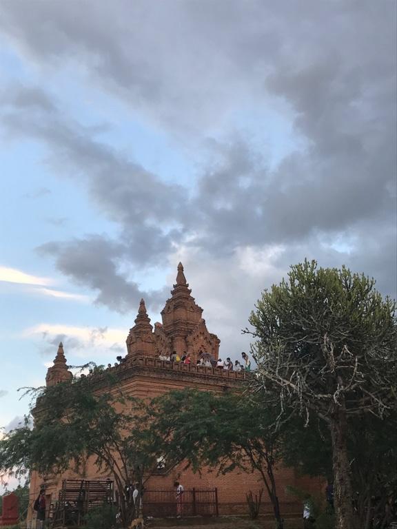 Plateforme à Bagan