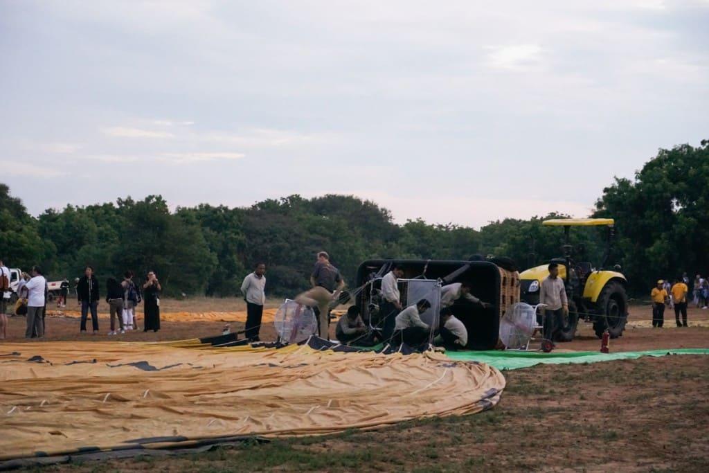 Préparation montgolfière à Bagan