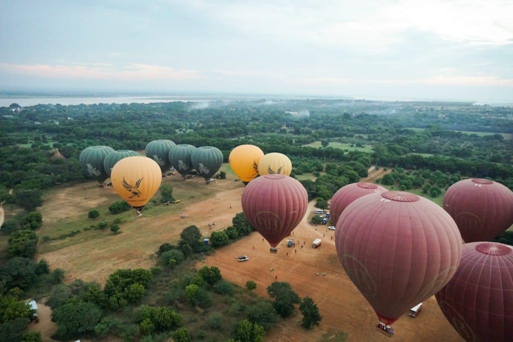 Décollage des montgolfières à Bagan