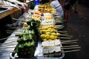 Brochettes à Yangon