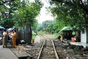 Voie ferrée à Yangon