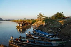 Barques à Hpa-An