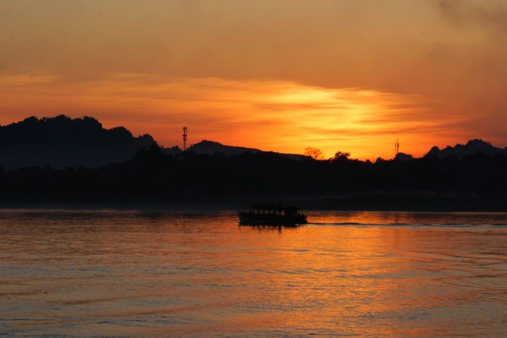 Coucher de soleil depuis la pagode Shweyinhmyaw
