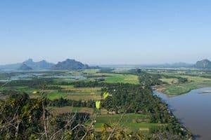 Vue depuis le mont Phan Pu