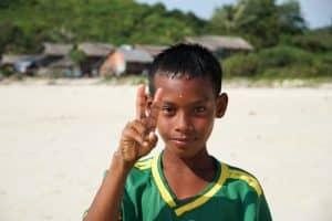 Enfant à la plage Teyzit beach