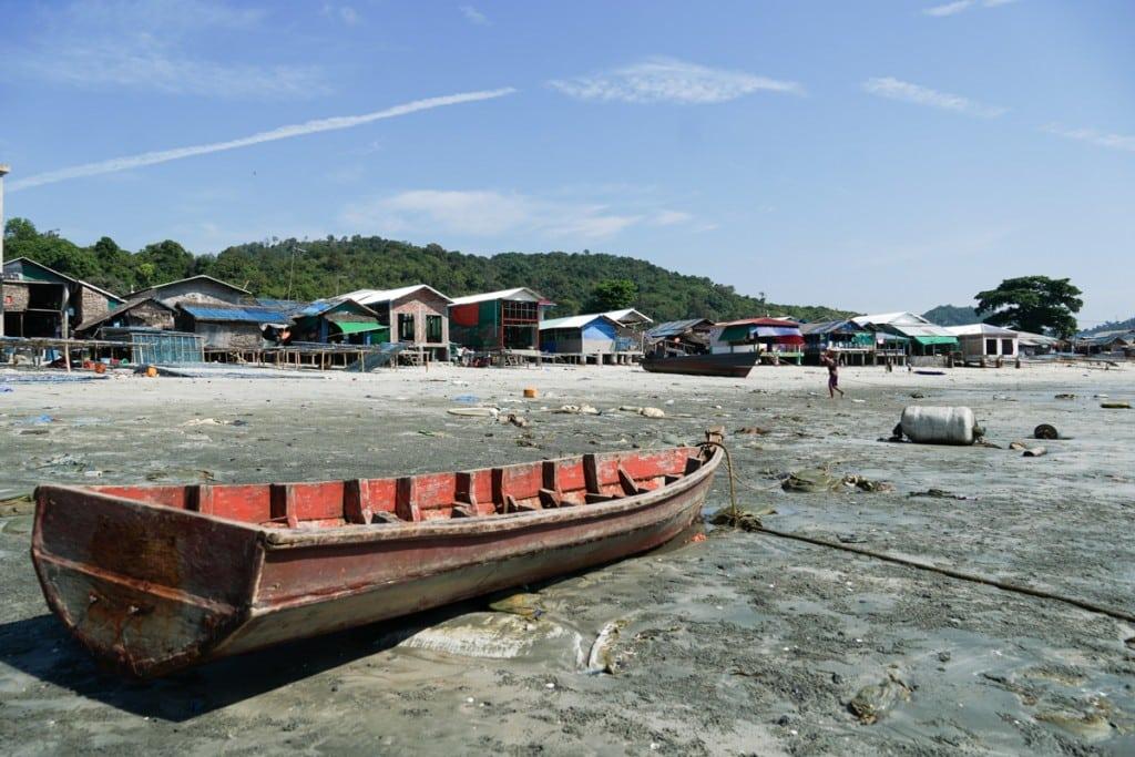 Bateau au village San Hlan - Dawei