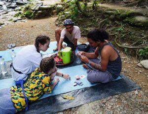 Jeux au campement trek à Bukit Lawang