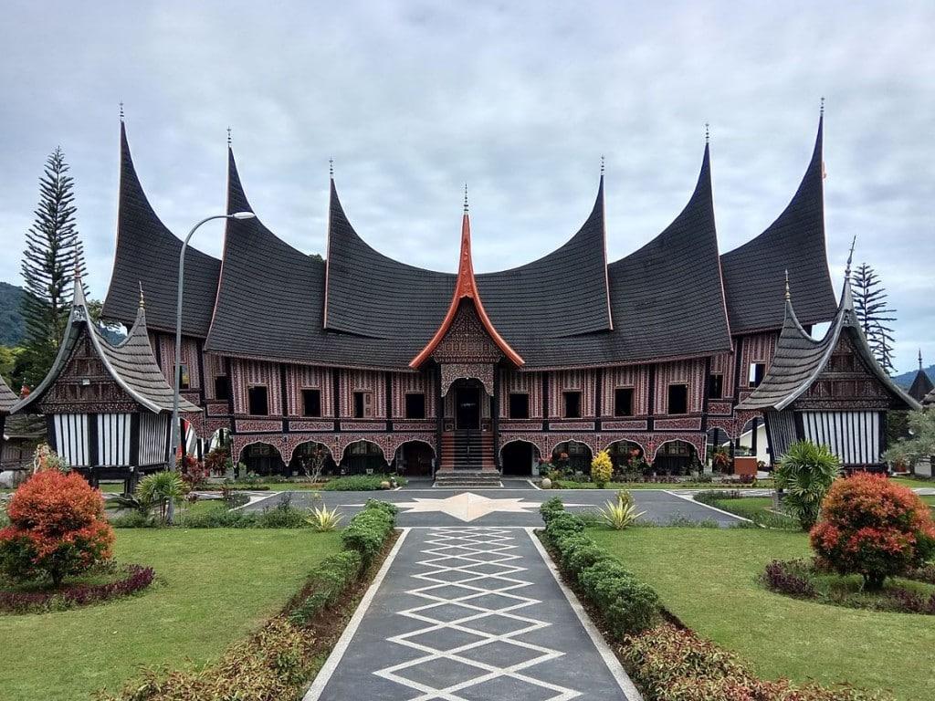 Rumah Gadang Baanjuang