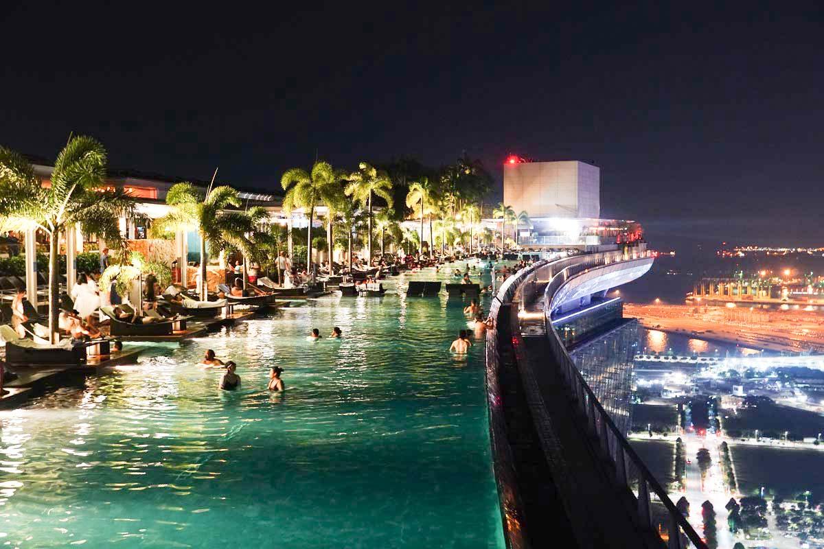 Visiter Singapour: Piscine à l'hôtel Marina Bay Sands