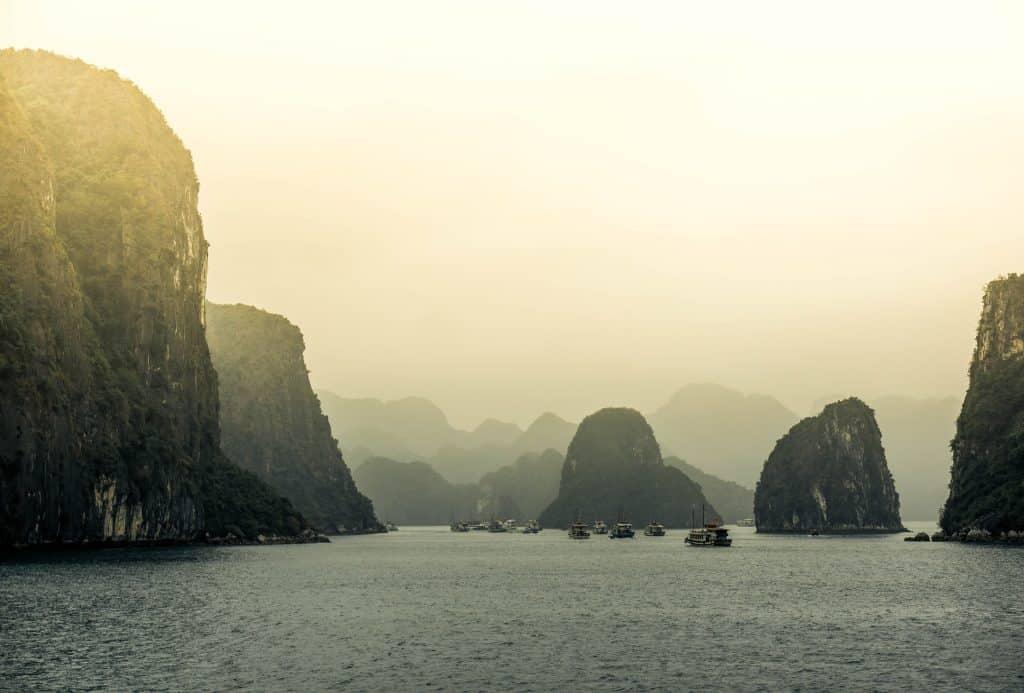 Vue sur la baie d'Ha Long
